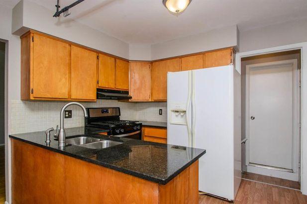 2847 Marshall Street - Photo 2