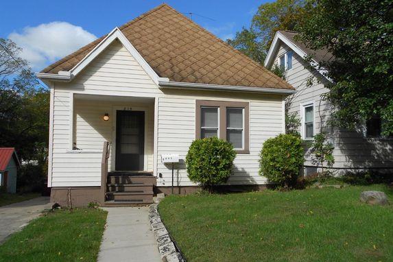 815 Hillcrest Ann Arbor, MI 48103