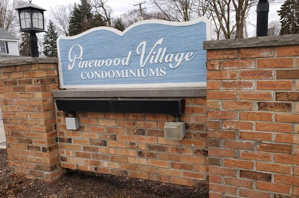 381 Pinewood Circle - Photo 3