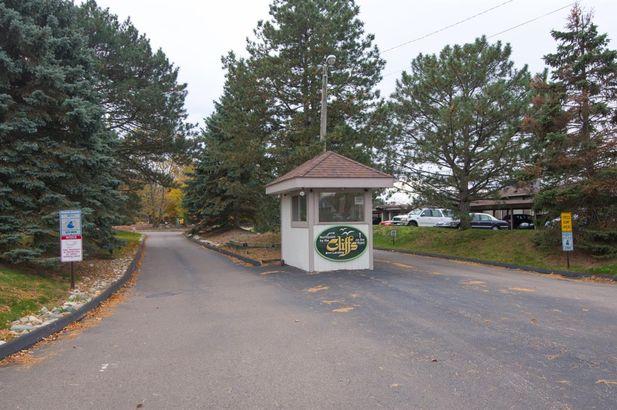 640 Cliffs Drive 201B - Photo 52