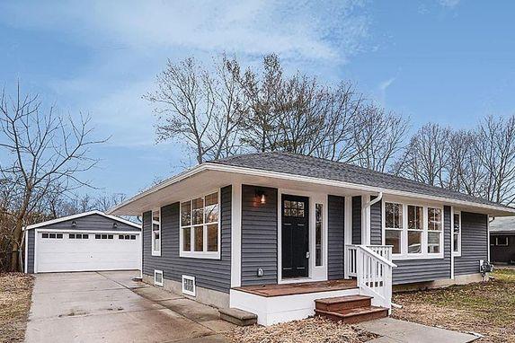 1705 Saunders Crescent Ann Arbor, MI 48103