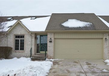 35323 KINGS FOREST Boulevard Clinton Twp, Mi 48035 - Image 1