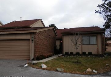 5364 WRIGHT Way West Bloomfield, Mi 48322 - Image 1
