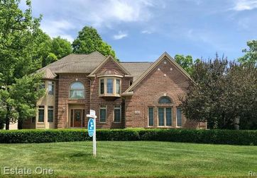 3369 HIDDEN OAKS Lane West Bloomfield, Mi 48324 - Image 1