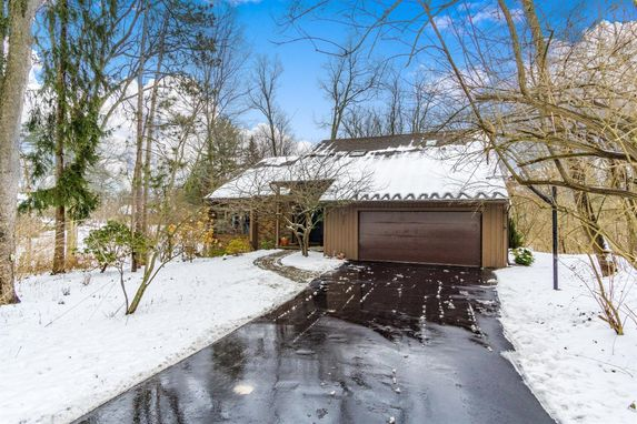 3785 Fox Hunt Drive Ann Arbor, MI 48105
