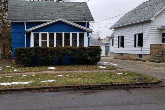 812 Eaton Street Jackson, MI 19203
