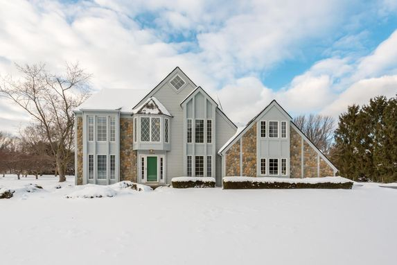 3154 Burberry Court Saline, MI 48176