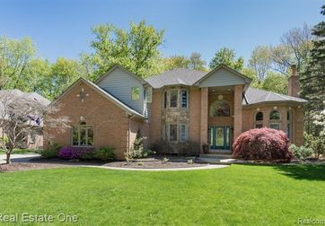 53336 Hunters Crossing Drive Shelby Twp, Mi 48315 - Image 1