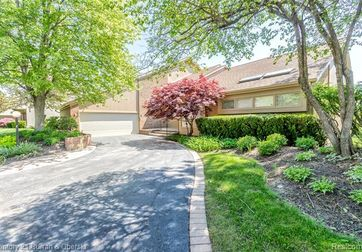 3327 MONTMARTE Circle West Bloomfield, Mi 48323 - Image 1