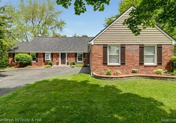 2785 BAY Drive West Bloomfield, Mi 48324 - Image