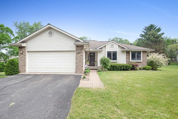 1224 Meadow Lane Chelsea, MI 48118