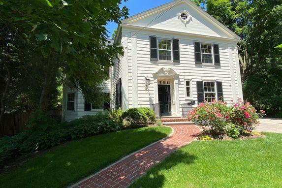 1817 Cambridge Road Ann Arbor, MI 48104