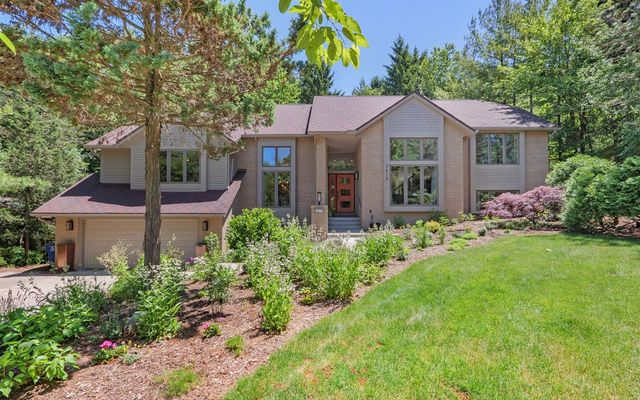 3615 Fox Hunt Drive Ann Arbor, MI 48105