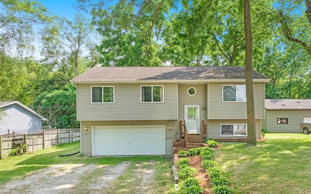 356 Dartmoor Whitmore Lake, MI 48198