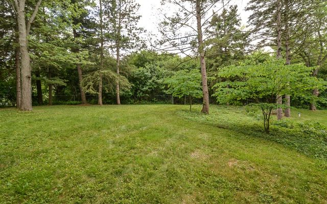 1395 Chalmers Drive - photo 3