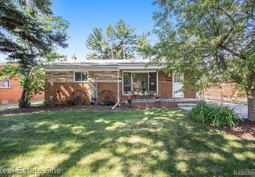 44069 Donley Dr Sterling Heights, Mi 48314 - Image