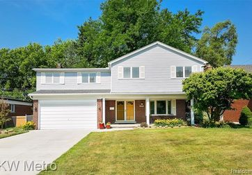 36877 PEPPER Court Sterling Heights, Mi 48312 - Image