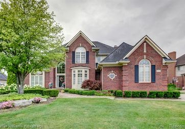 13707 HILLTOP Drive Plymouth, Mi 48170 - Image