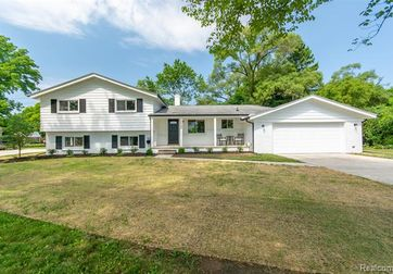 26225 MIDDLEBELT Road Farmington Hills, Mi 48334 - Image
