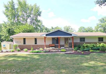 2914 RUSSELL Drive Howell, Mi 48843 - Image 1