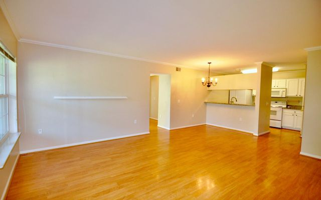 2724 S Knightsbridge Circle - photo 1