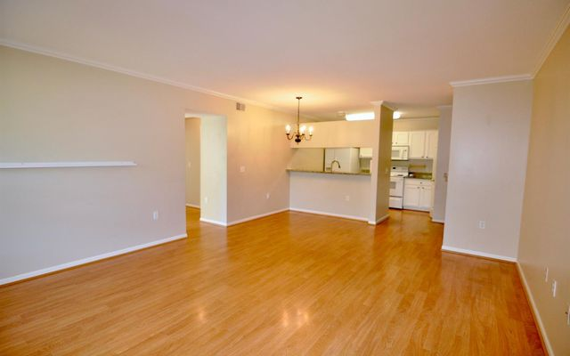 2724 S Knightsbridge Circle - photo 2