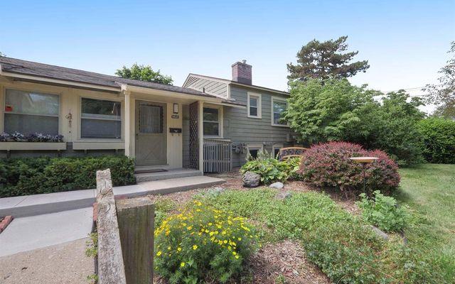 3525 Edgewood Drive - photo 1