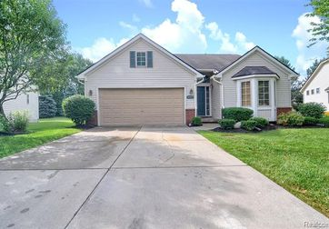 4497 MAPLE CREEK Drive Grand Blanc, Mi 48439 - Image