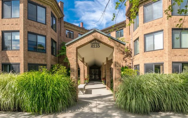 2115 Nature Cove Court #202 Ann Arbor, MI 48104