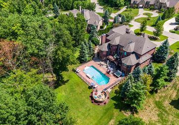 8216 PINE HOLLOW Trail Grand Blanc, Mi 48439 - Image 1