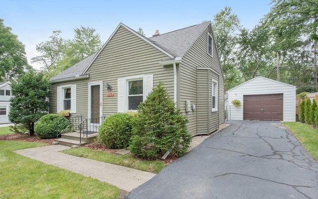 2658 Parkwood Avenue Ann Arbor, MI 48104