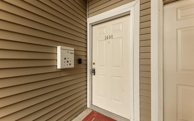 1406 Fox Pointe Circle - photo 2