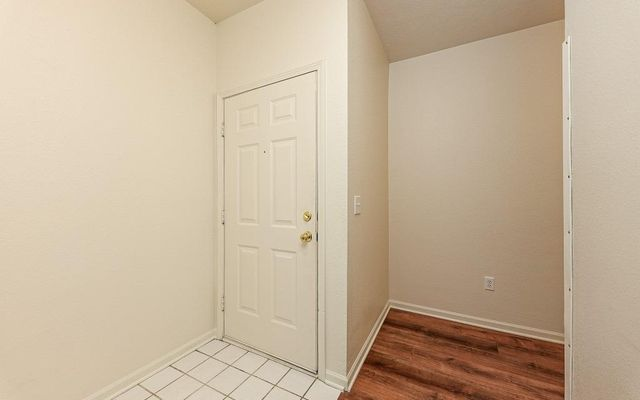 1406 Fox Pointe Circle - photo 3