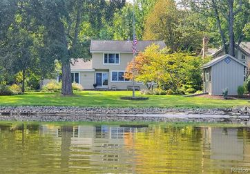 4899 Gallagher Blvd Whitmore Lake, Mi 48189 - Image 1