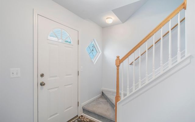 108 Ridgeview Court - photo 2