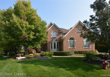 25450 VILLAGEWOOD Court South Lyon, Mi 48178 - Image 1