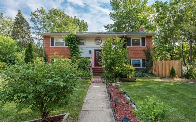 12 Donegal Court Ann Arbor, MI 48104