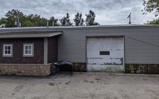 10184 Industrial Drive - photo 1