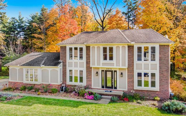 22674 Vacri Lane Farmington Hills, MI 48335