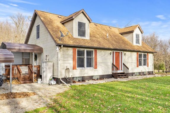 21675 Willow Road Manchester, MI 48158