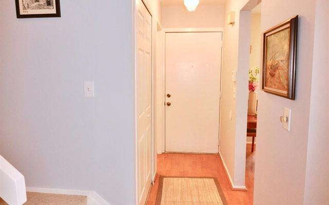 891 Greenhills Drive - photo 2