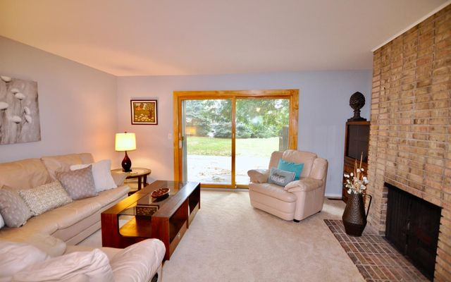891 Greenhills Drive - photo 3