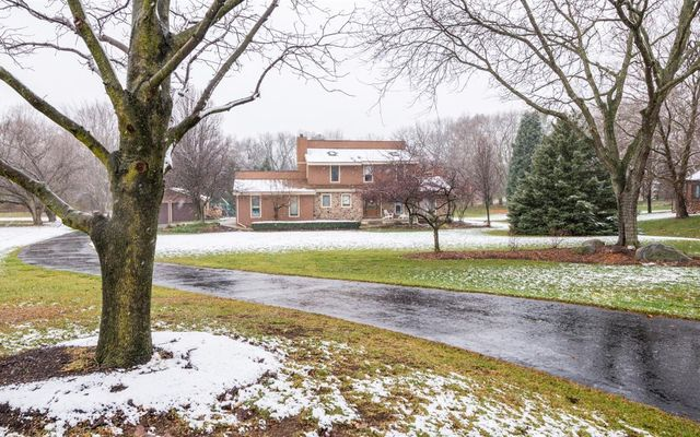 8727 Sleepy Hollow Drive Saline, MI 48176