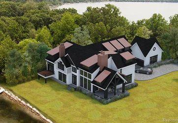 5802 Stonehedge Court Ann Arbor, Mi 48105 - Image 1
