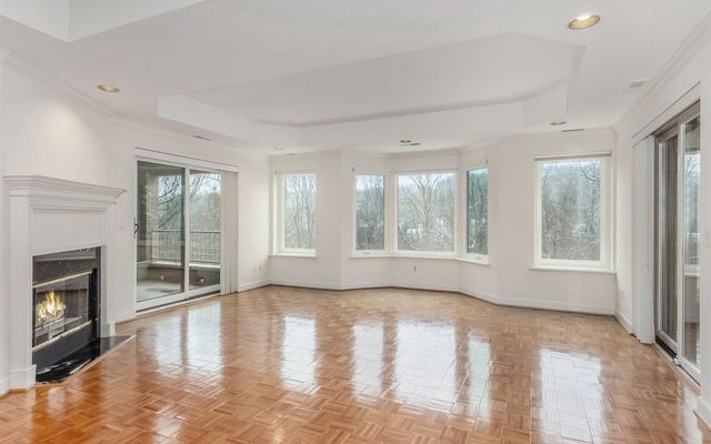 3000 Glazier Way #120 - photo 3
