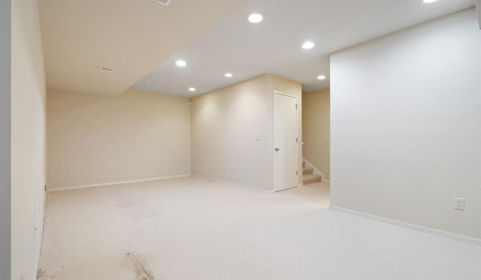 1055 Young Place - Photo 43