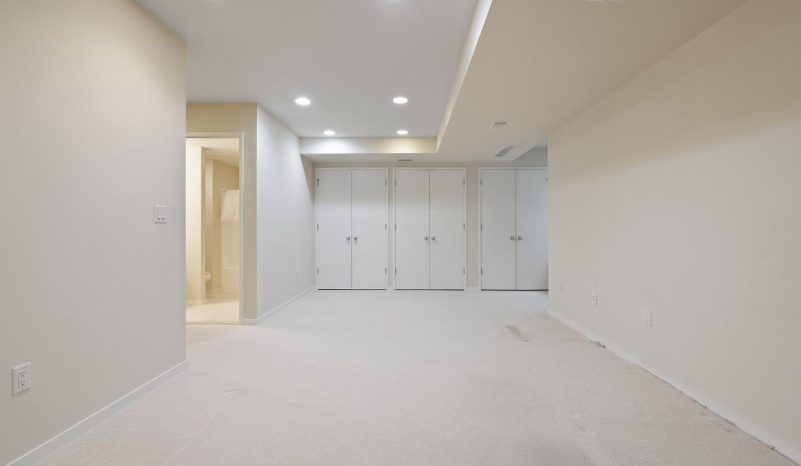1055 Young Place - Photo 44
