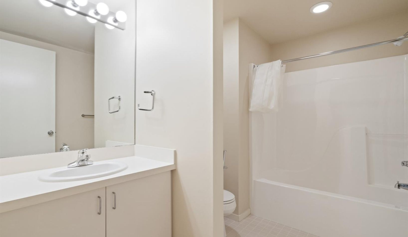 1055 Young Place - Photo 47