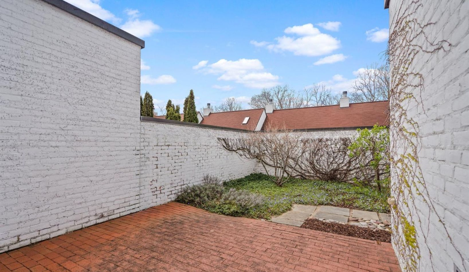 1055 Young Place - Photo 75