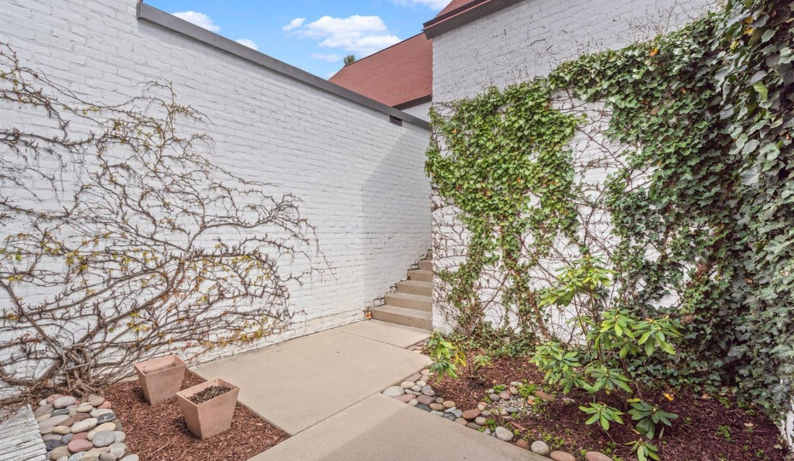 1055 Young Place - Photo 78